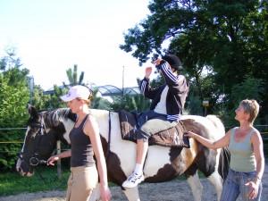 Intensive Betreuung auf und neben dem Pferd